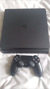 Ps4 1TB w 1 Controller . + $100 for Monitor Las Vegas, 89110