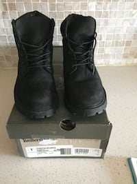 Youth timberland boots  Toronto, M6N 4P8