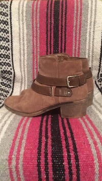 pair of brown suede boots Surrey, V3X 2W7