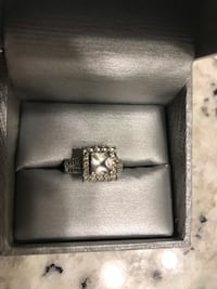 Peoples white sapphire ring  Oakville, L6H 6T1