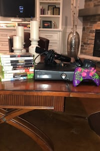 Used Xbox 360 Console with Kinect Mic , 9 games and custom controller Burlington, L7L 7M4