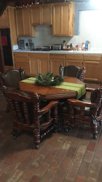 Brown table with 4 leather chairs Livingston, 95334