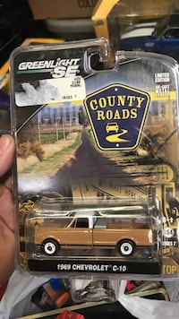 1969 brown and white Chevrolet C-10 single cab pickup truck die-cast scale model pack