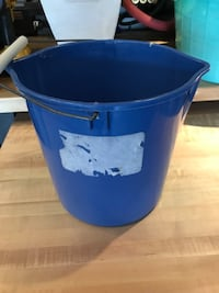 2 gallon pail  Waterdown, L8B 0L8