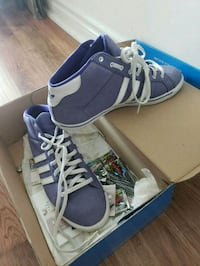pair of blue-and-white low top sneakers Toronto, M1H 0A2