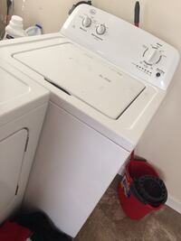 white top-load clothes washer Vinton, 24179