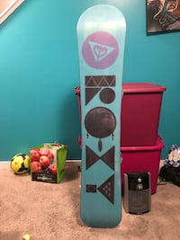 Women's Roxy Snowboard with Burton Bindings Calgary, T3M