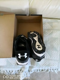 shoes for baseball playing