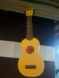 yellow and black dreadnought acoustic guitar Coquitlam, V3J