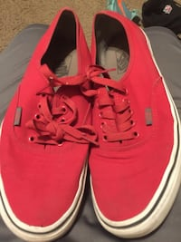 pair of red Vans low-top sneakers San Antonio, 78213