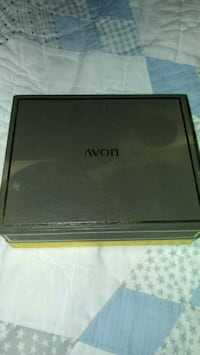 New Vintage Avon Jewelled Compact Victorville, 92395
