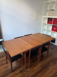 Mid-century dining table and 6 matching chairs Toronto, M5A 2C5