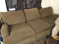 Couch Knoxville, 37917
