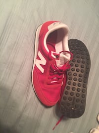 Woman's New Balance sneakers