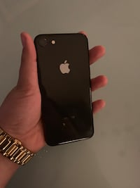 IPhone 8 64G 10/10 condition  Vaughan
