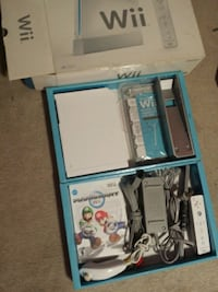 Nintendo wii new in box bundle with mario kart  Markham, L6B 0B4