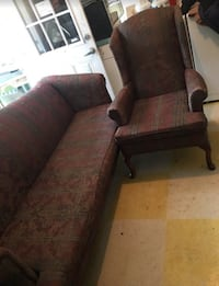 QUEEN VICTORIA ANNE STYLE COUCH AND CHAIR SET IN GREAT CONDITION !!!  Norfolk, 23504