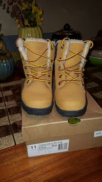 Timberland toddler boots size 11 Oxon Hill, 20745