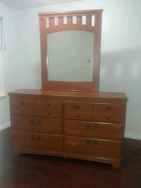 Dresser with matching bed frame Toronto, M1H 1W4