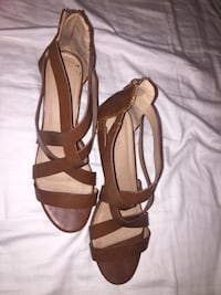 Brown leather open-toe heeled sandals Burnaby, V5A 2X1