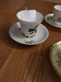 Fine bone china teacups with saucers Mississauga, L5G