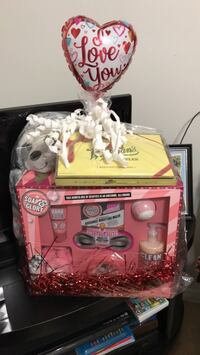 soap and glory valentine basket Edinburg, 78542