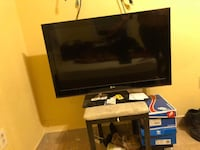 LG Tv 40 inches works perfectly fine, NO REMOTE THOUGH Glenarden, 20706