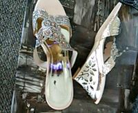 white-and-gray floral leather heeled sandals Edmonton, T5K 2A6