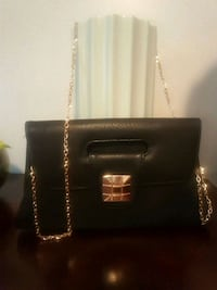 Black leather purse with gold chain Philadelphia, 39350