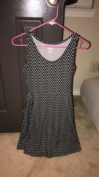 white and black chevron sleeveless dress Mc Lean, 22102