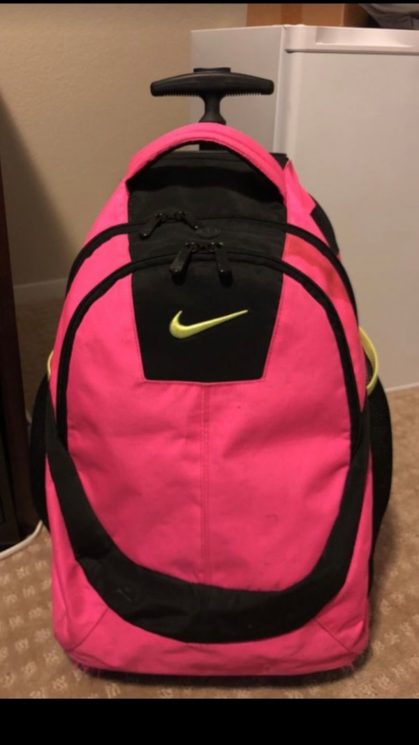 6cc0627bd949 Used Black and pink nike backpack for sale in Henderson - letgo