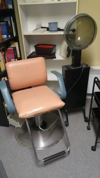 Hair chair and dryer Cantley, J8V 3E3