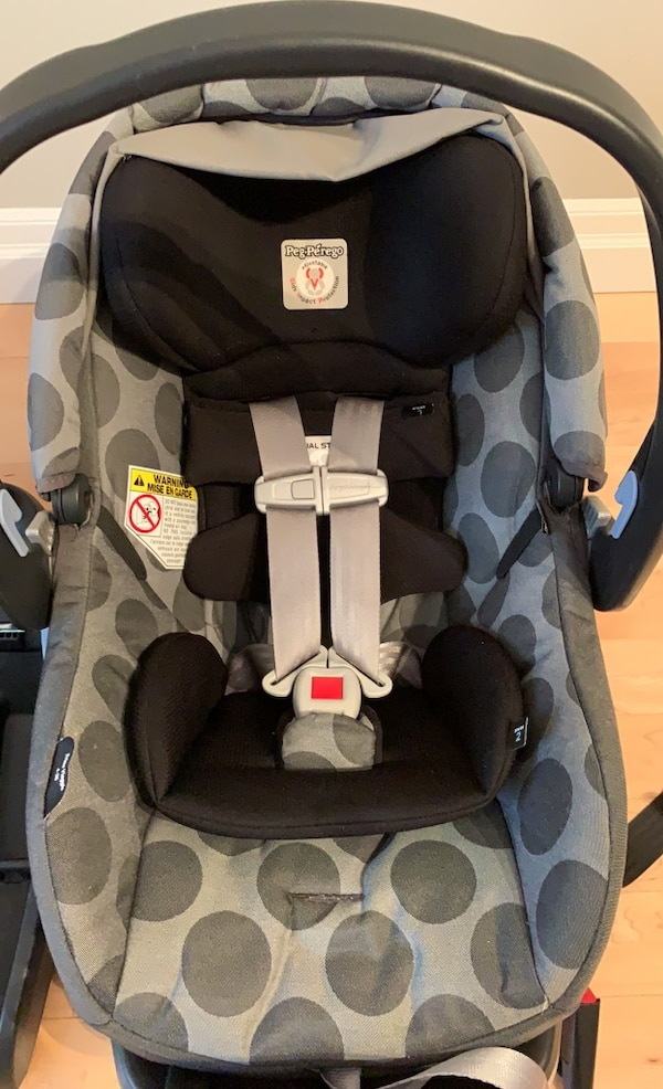 *One Peg Perego Primo Viaggio 4-35 car seat and ONE base 1