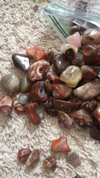 Orange and gray agate rocks.