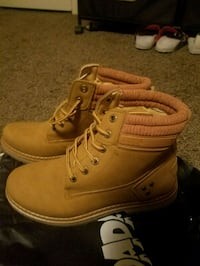 Camel Boots *New*