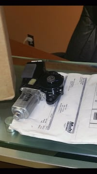 03 04  New In Box Hummer H2 sunroof motor