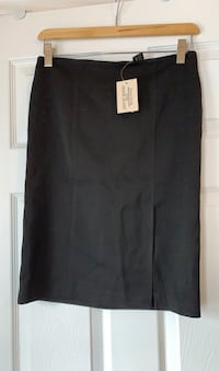 Black skirt from Guess. Size small. New with tags attached.  Ajax, L1T 0K1