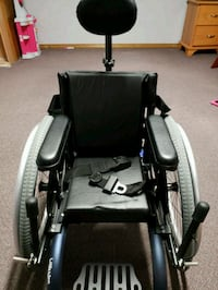 Little Wave Wheelchair for Small Child  Grove City, 43123