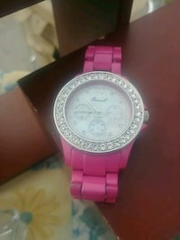 round silver-colored chronograph watch with pink link bracelet Markham, L3S