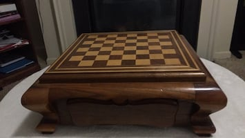 Chest Table