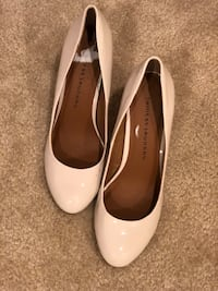 Pair of creamish white leather pumps Ashburn, 20148