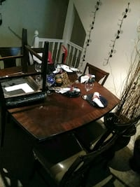 Dining room table Maitland