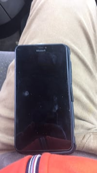 Unlocked Microsoft phone with case takes any sim card Oxon Hill, 20745