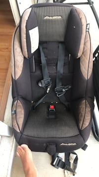 baby's black and gray car seat Wilmington, 28412