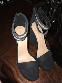 pair of black leather open-toe heels Riverdale Park, 20737