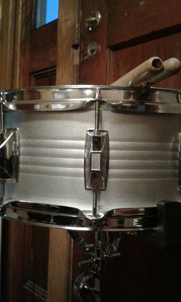 used silver cb remo snare drum for sale in clarks summit letgo. Black Bedroom Furniture Sets. Home Design Ideas