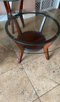 Coffee table Three tables good condition! One coffee two ends