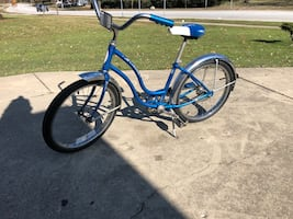 Girls Scwinn Bike 20 inch wheels