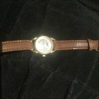 round silver analog watch with brown leather strap Cambridge, N1P