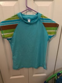 blue and green crew-neck shirt Langley, V2Y 0B4